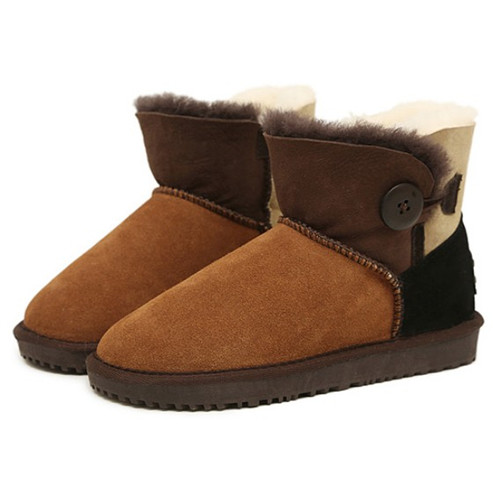 Woman in-tube genuine leather snow boots