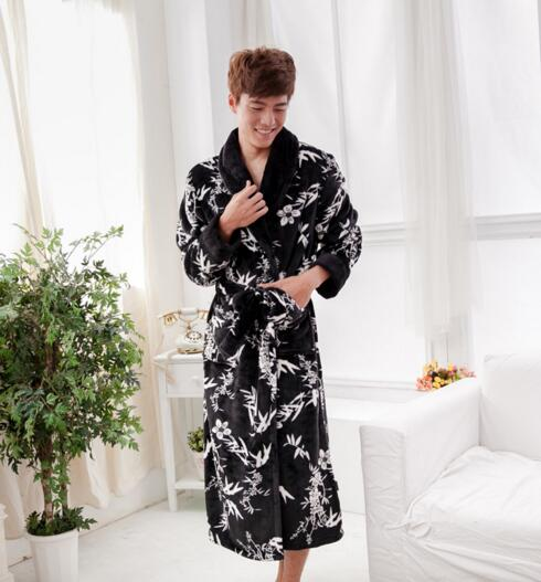 Good quality black color flannel luxury bathrobe for man